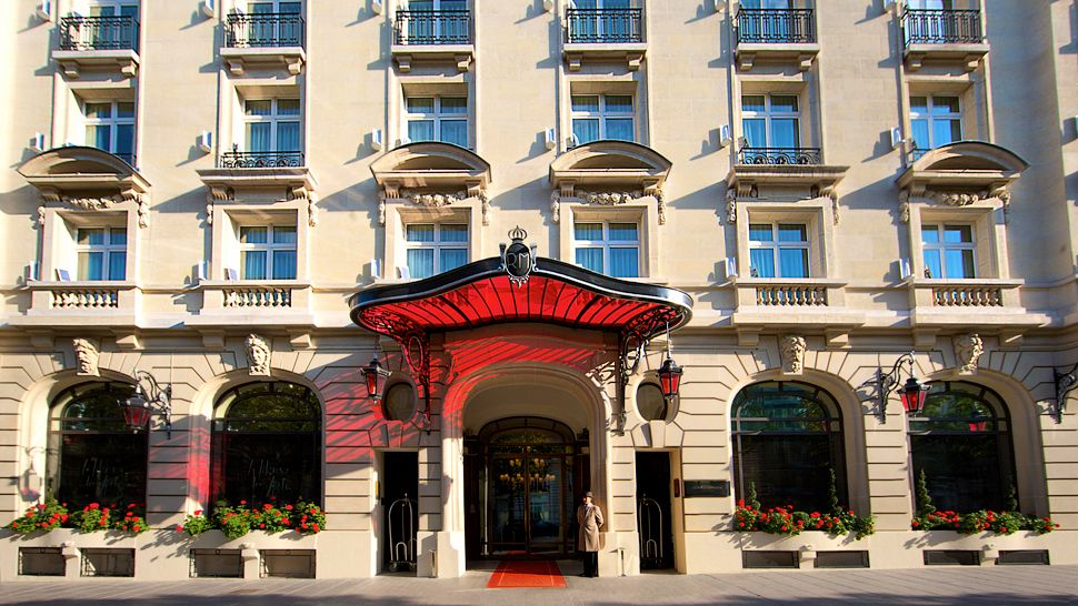 SLD Waters рекомендует: Vittel в отеле Le Royal Monceau - Raffles Paris
